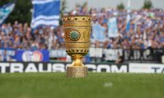 Fussball / firo Drochtersen - Schalke 10.08.2019