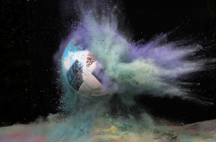 firo Fußball,Fussball,                       23.05.2018 Allgemein: WM Weltmeisterschaft: Farbpulver Hinterleger Hintergrund Feature Holi Pulver WM Ball Adidas WM Spielball Telstar World Cup Fußball ist der offizielle Tournierball  Turnierball für die WM in Rußland Russland 2018 , Symbolbild $worldrightsEs gelten unsere AGB, einsehbar auf www.firosportphoto.de copyright by firo sportphoto: Coesfelder Straße 207 48249 D Ü L M E N (Duelmen) www.firosportphoto.de mail@firosportphoto.de (V o l k s b a n k   B o c h u m - W i t t e n ) BLZ.: 430 601 29 Kt. Nr.: 341 117 100 Tel: 02594-9916004 Fax: 02594-9916005